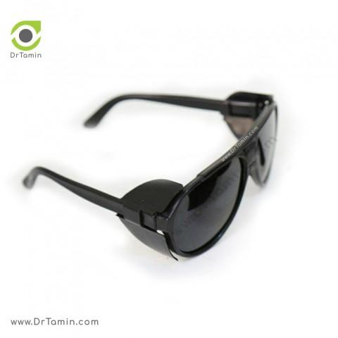 عینک ایمنی شیشه دودی تک پلاست مدل بغل دار2